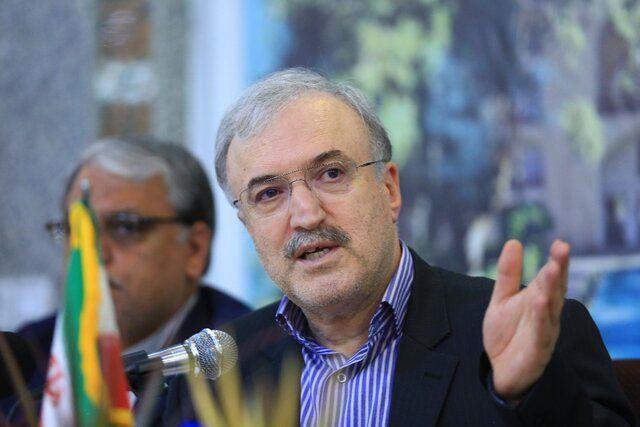 وزیر بهداشت در افتتاحیه ایران هلث، زوایای بیشتری از اهداف خود در تغییر رییس سازمان غذا و دارو آشکار کرد